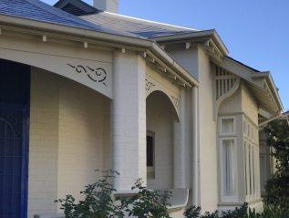 Curve House
